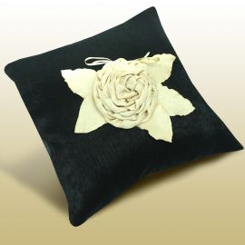Наволочка декоративная ПШ-008, однотонная с цветком